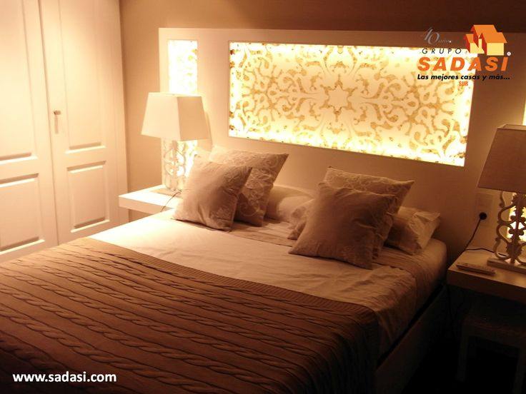 #decoracion LAS MEJORES CASAS DE MÉXICO. Si desea que su habitación luzca diferente y con un estilo único, lo puede lograr mediante la iluminación de la misma, siendo una de las mejores opciones colocar luz en la cabecera, la cual es vistosa y funcional, pues puede servir para leer acostado en la cama antes de dormir. En Grupo Sadasi usted puede ejercer su crédito INFONAVIT o FOVISSSTE, para comprar su casa en nuestros desarrollos. www.sadasi.com