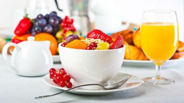 Dieta alcalina este renumita în lume pentru proprietațile ei de prevenire a cancerului, dar și pentru capacitațile ei în ceea ce privește pierderea în greutate, Victoria Beckham fiind fidela acestui regim alimentar.