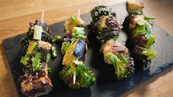 Weganskie Szaszlyki Z Tofu I Warzywami Przepis Recipe Food Sprouts Vegetables