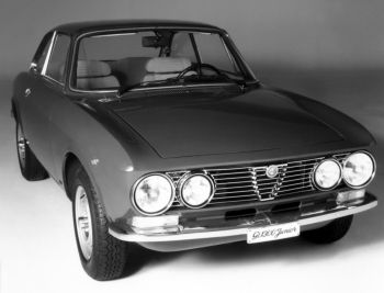 Alfa Romeo GT 1300 Junior (105) '1974–76