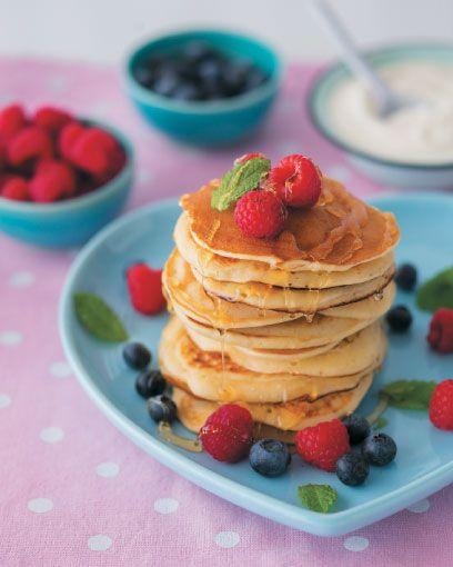 Kitchen Buddies: Buttermilk flapjacks | Kombuiskarnallies: Karringmelkplaatkoekies #KitchenBuddies #Kids #Kitchen