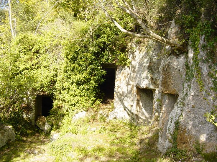 I had come to this remote corner of Italy to research Etruscan sites...THE ETRUSCAN
