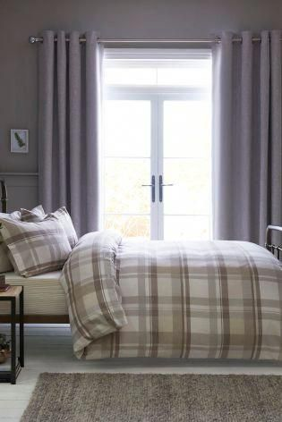 Want to give your bedroom cosy feel that is chic yet seasonal? Then
