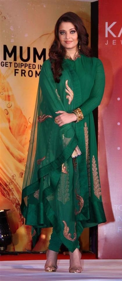 Aish in green