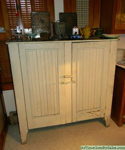 Wainscot cabinets | What I Look For | Pinterest