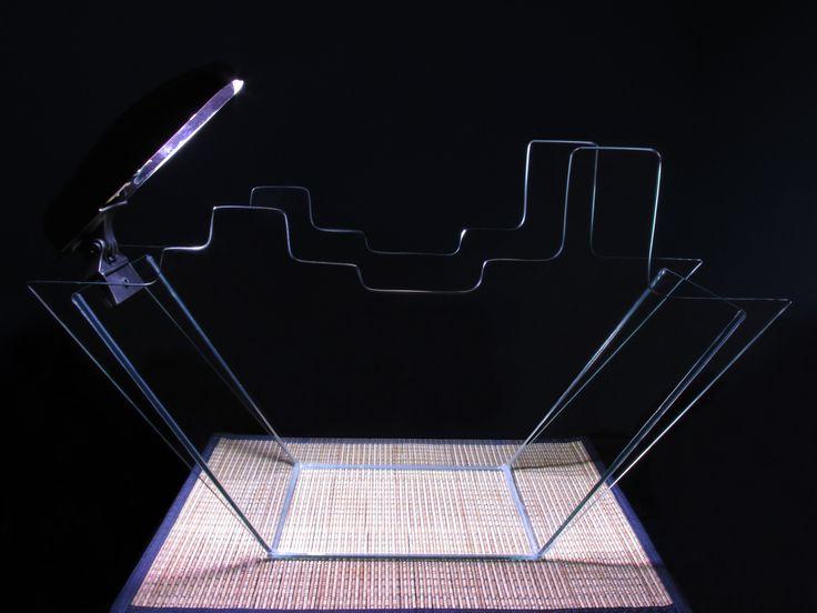 Acuario En Forma De Barco Con Iluminación, En Vidrio 4 mm de 58x15x35 altura, Julio del 2004 Lima - Perú.
