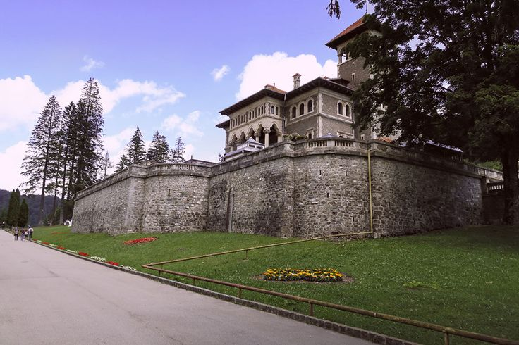 Art at the Castle | Chique Romania