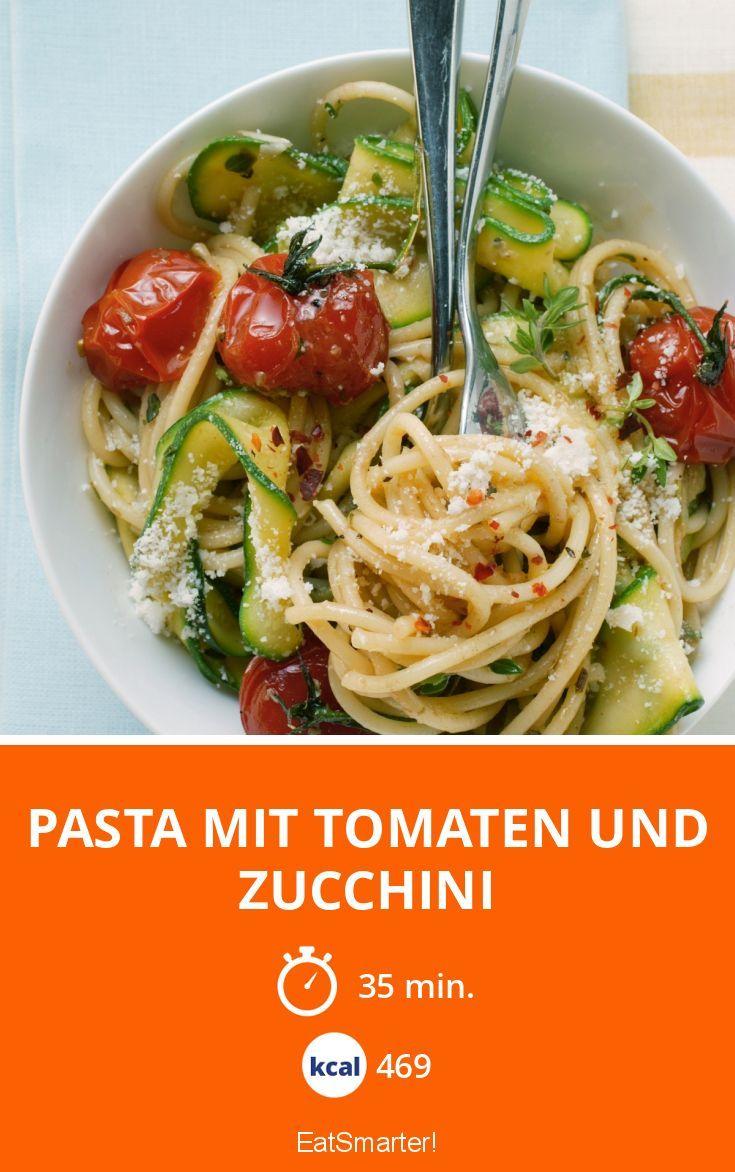 Pasta mit Tomaten und Zucchini - smarter - Kalorien: 469 Kcal - Zeit: 35 Min.   eatsmarter.de