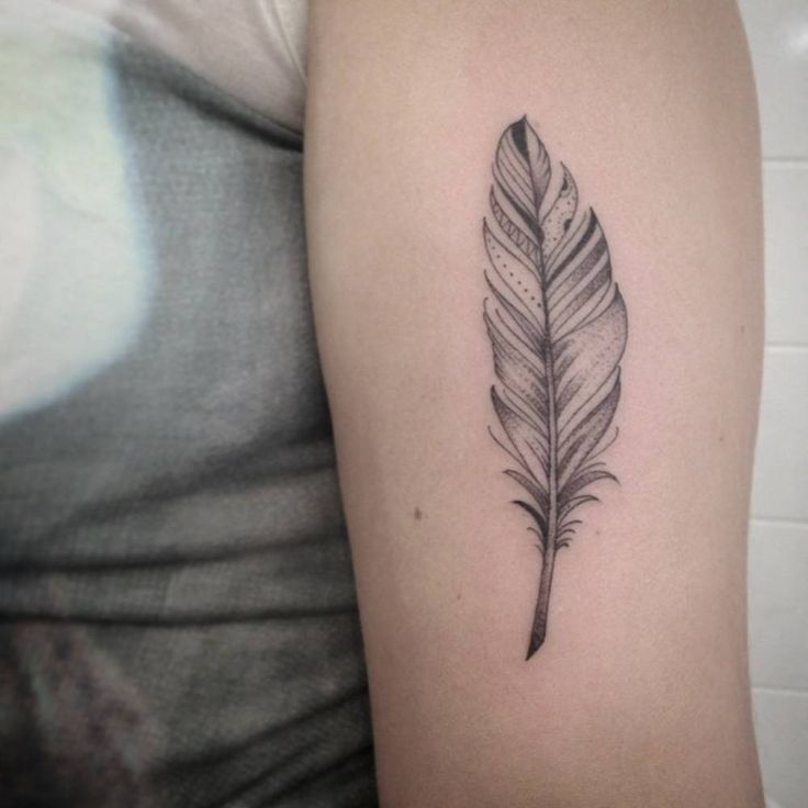 best 25 feather tattoo arm ideas on pinterest feather tattoo on arm feather tattoo design. Black Bedroom Furniture Sets. Home Design Ideas
