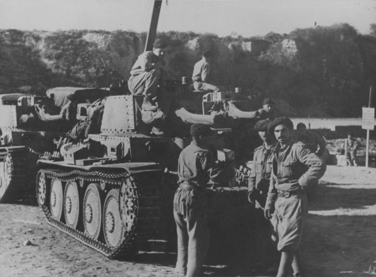 Tanks Pz.Kpfw.38 (t) of the Romanian 2nd Tank Regiment in the Crimea.
