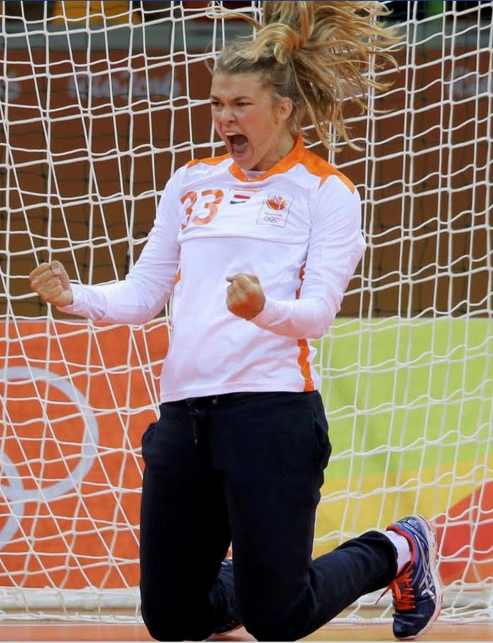 Tess Wester ~ Handball