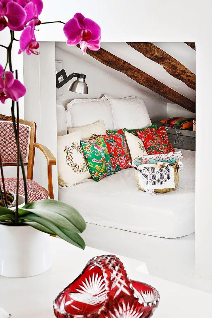 HOME & GARDEN: Ambiance colorée chez Nuria Mora