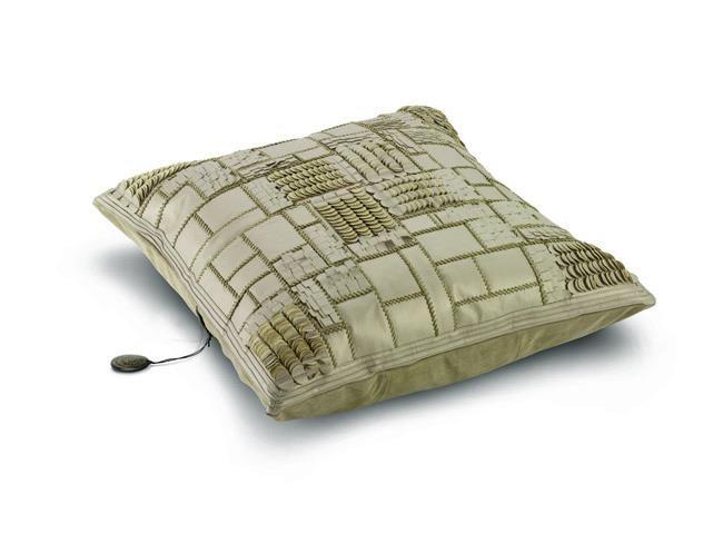 Poduszka chamra, waga: 4,5 kg, wymiary: 90x90cm.  Dostępna w In Situ!