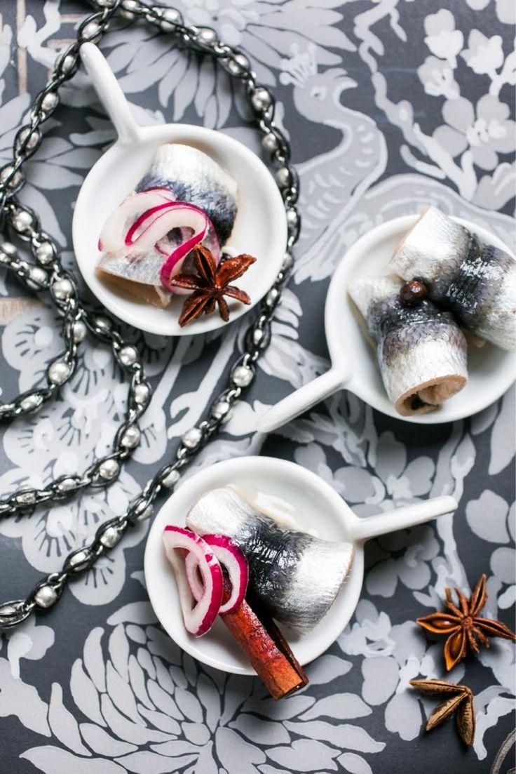 Mustaherukka-maustesilakat // Spicy Black Currant Herring for Christmas table Food & Style Elina Jyväs Photo Satu Nyström Maku 8/2014, www.maku.fi