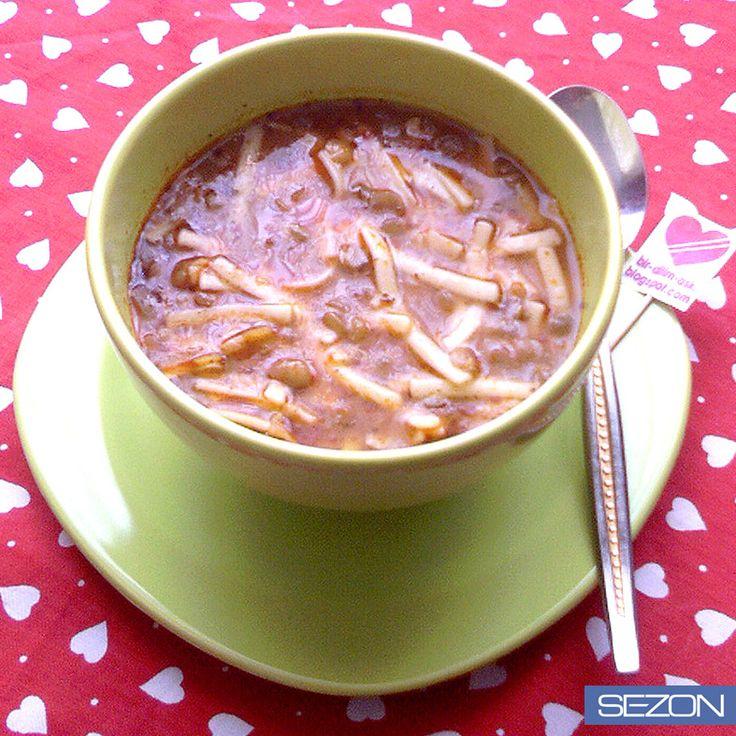 Gün boyu kaybettiğiniz enerji sizi bitkin düşürmesin. Akşam yemeğine yapın bir Sezon Yeşil Mercimekli çorba, gelin kendinize anında!