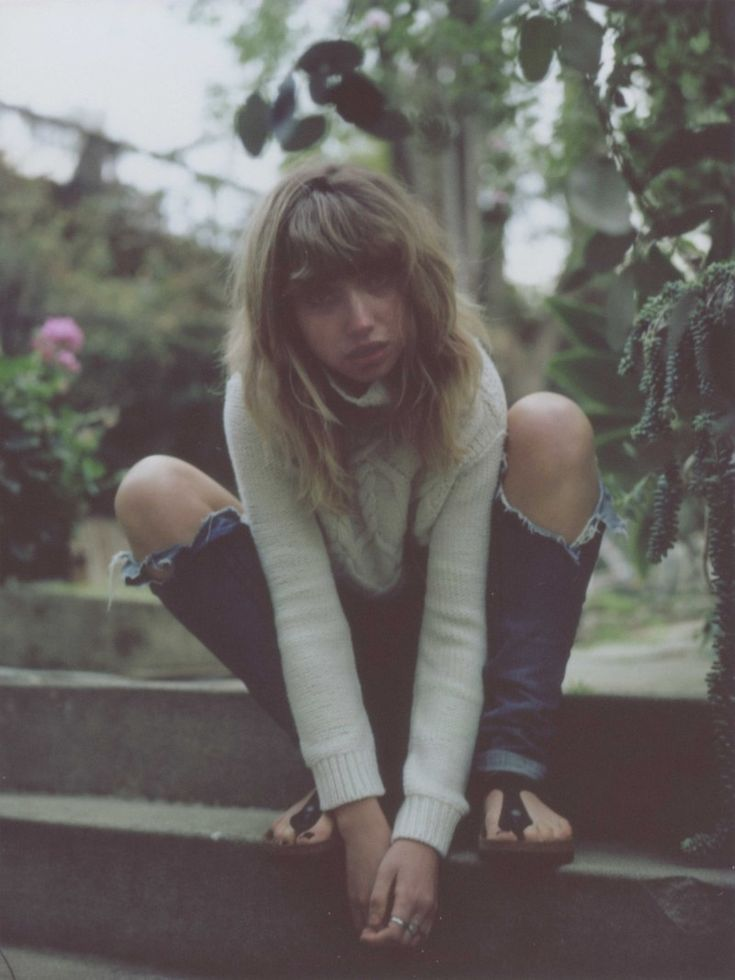 imogen poots photo shoot7 Imogen Poots Takes it Easy in So It Goes #3 Cover Shoot