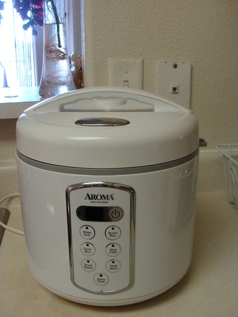 AROMA Electric Rice Cooker 10 cup - excellent condition  Asking price - 15$     - bep ga rinnai, bep ga rinnai gia tot 21/12/2012, http://www.beponline.vn/Bep-gas-duong/Bep-gas-duong-RINNAI.html