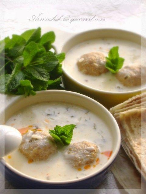 Предлагаю рецепт разновидностей очень вкусного кисломолочного супа-Спас. Его можно готовить без мясных шариков ( что и летом все время мы делаем ). С мясом едят…