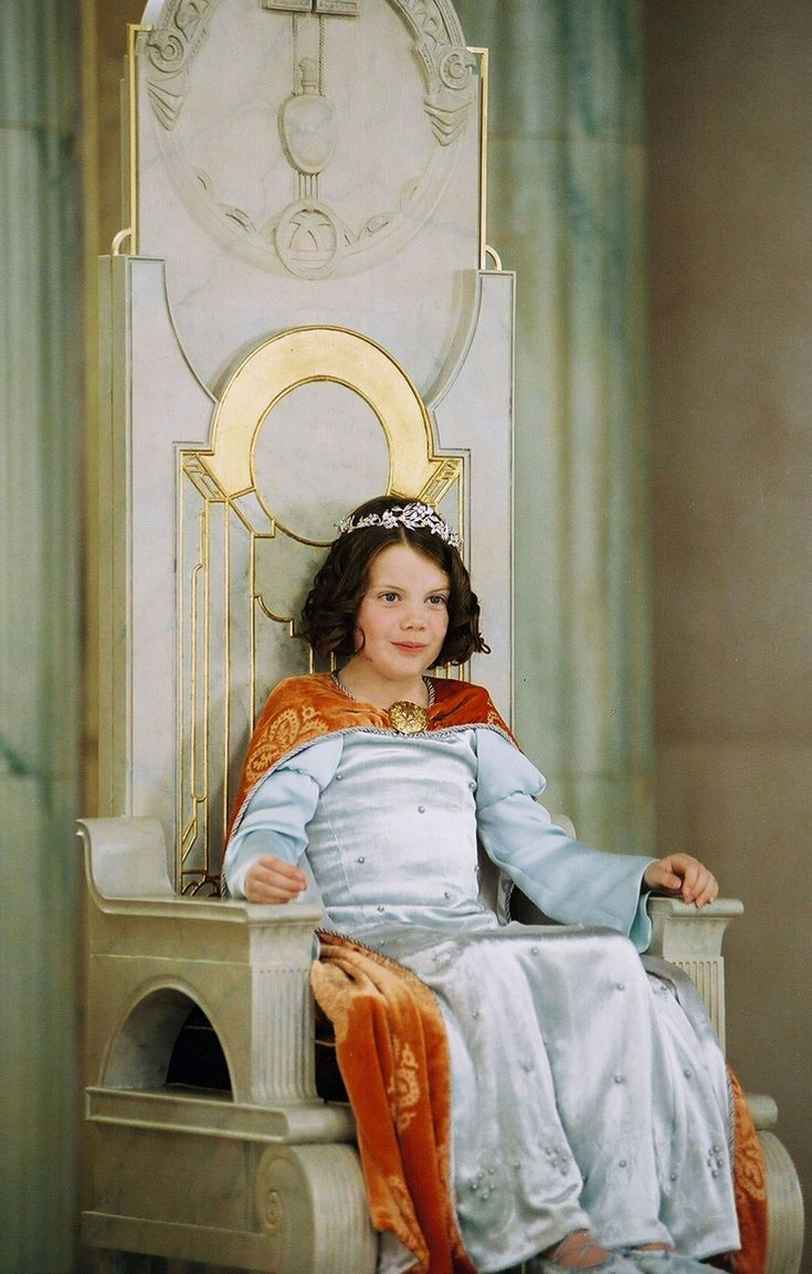 Georgie Henley as Lucy Pevensie - The Chronicles of Narnia The Lion, The Witch, and The Wardrobe