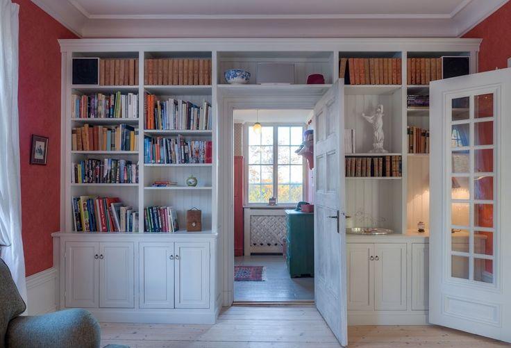 Потайная дверь: 13 актуальных примеров
