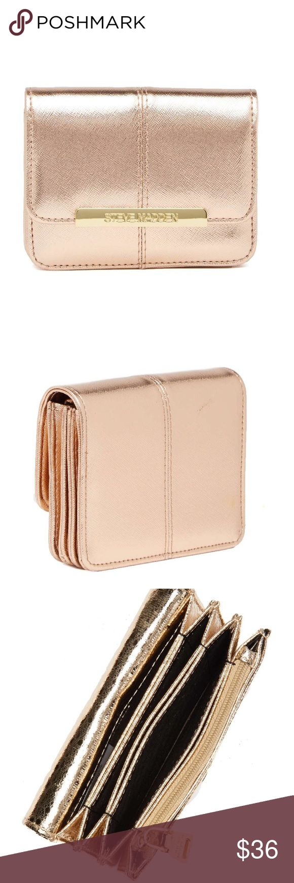 ❗️DON'T BUY ON HOLD❗️Steve Madden wallet NWT Brand new Steve Madden Wallet! Never opened, has tags, and comes with a keychain!color is rose gold Steve Madden Accessories