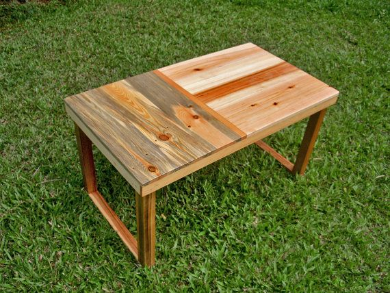 reclaimed wood palettes small coffee table pallet wood coffee and i love. Black Bedroom Furniture Sets. Home Design Ideas