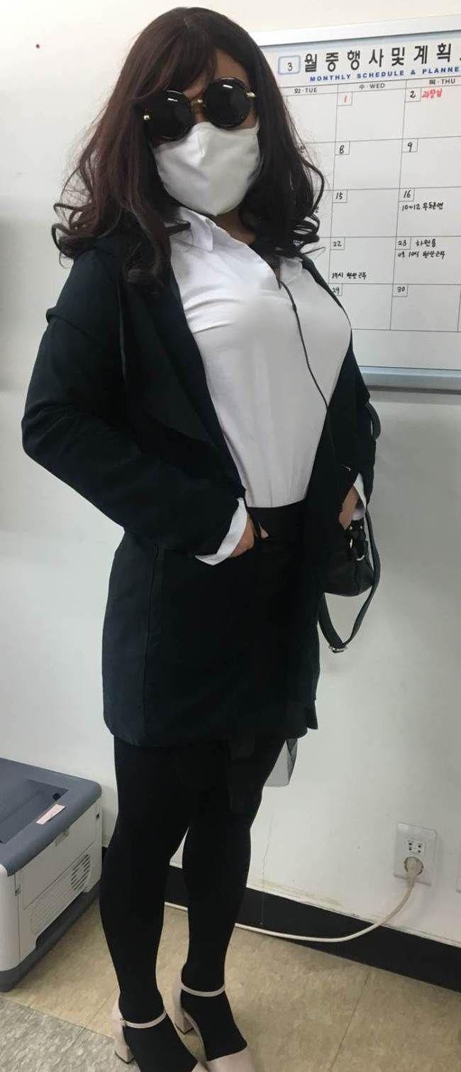 Un policía surcoreano que trabaja vestido de mujer, unos apuntes sobre la primera cumbre entre Moon Jae-in y Donald Trump, y más noticias de Corea.