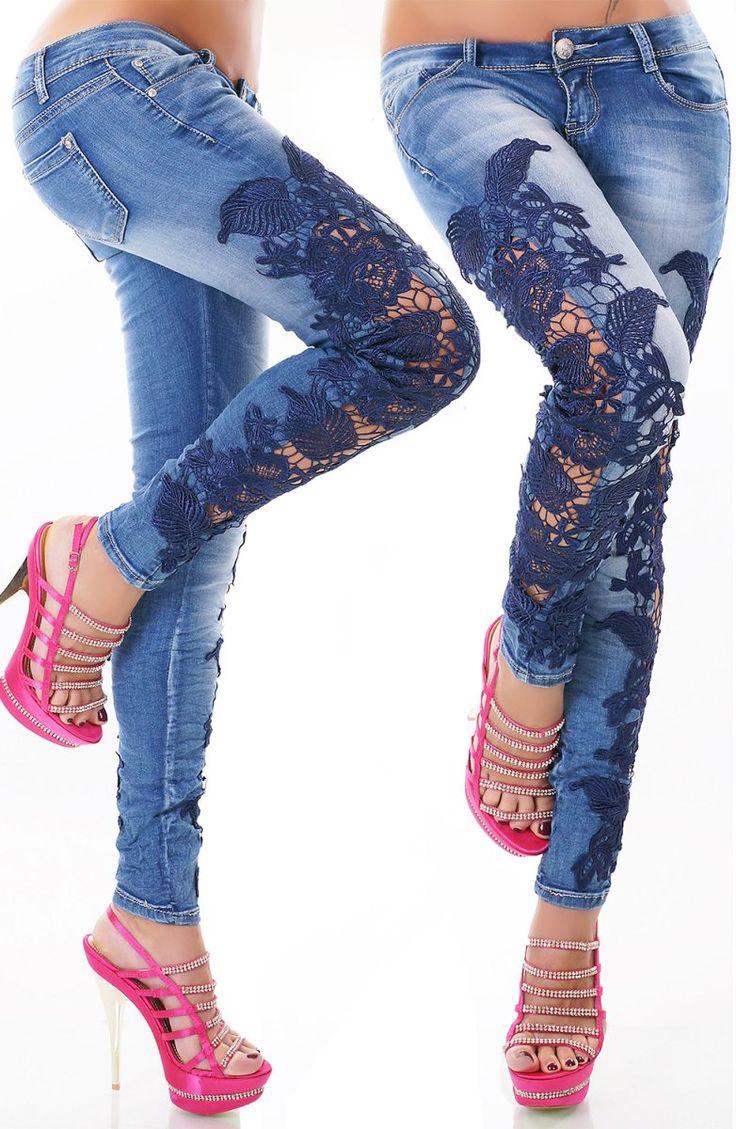 Dámské džíny zdobené modrou krajkou Novinka skladem - máme nově tyto luxusní džíny zdobené krajkou ve všech velikostech 34 - 42