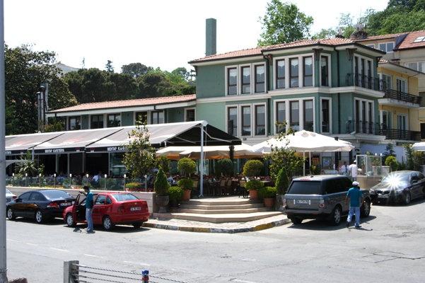 Emirgan Mehtap Cafe