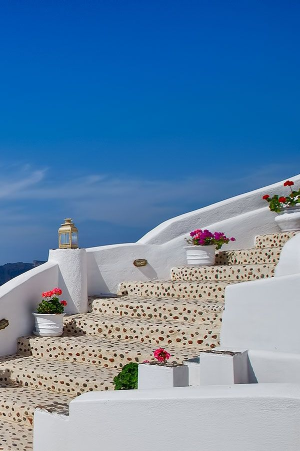 Flower steps Oia, Santorini Island, Greece www.oiamansion.com