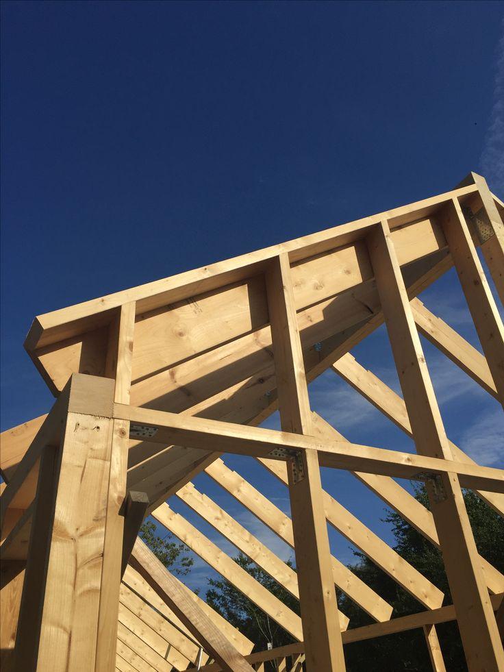 Godt håndværk og duften af træ. Skelettet af et Mønhus i al sin enkelhed.