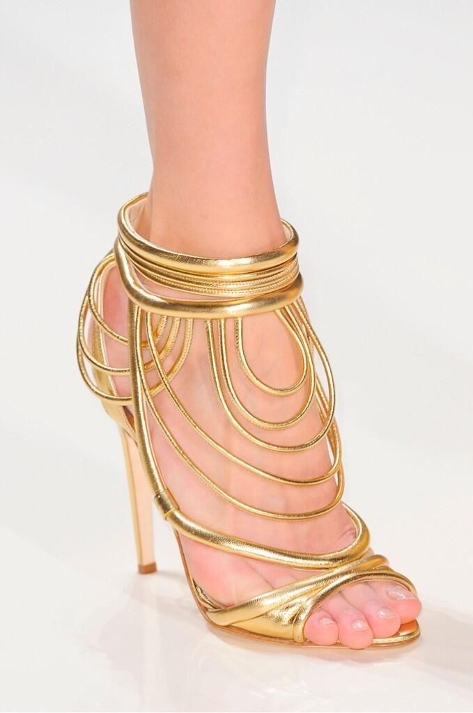 Crazy- I have no place to wear these but I like 'em.  Valentin Yudashkin #SS2014 #Paris