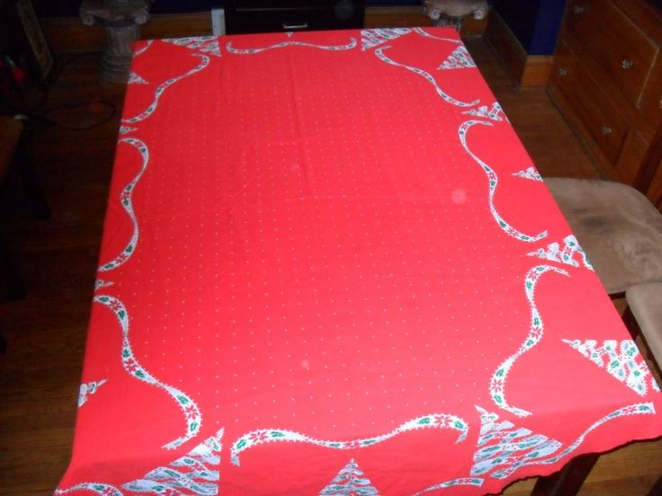 Vtg. Red Oval Tablecloth White Dots Center With Christmas Trees 82 X 60 1/2  | Oval Tablecloth And Christmas Tree