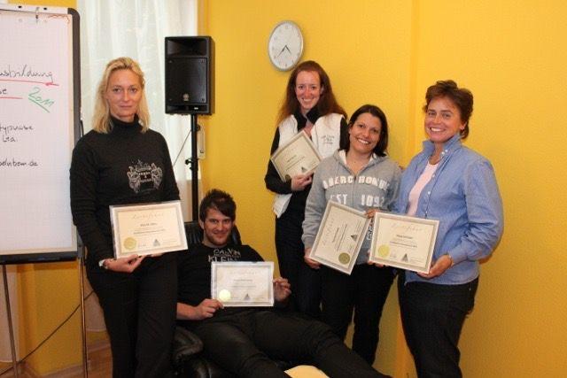 Gruppenfoto Abschluss der Hypnose Ausbildung