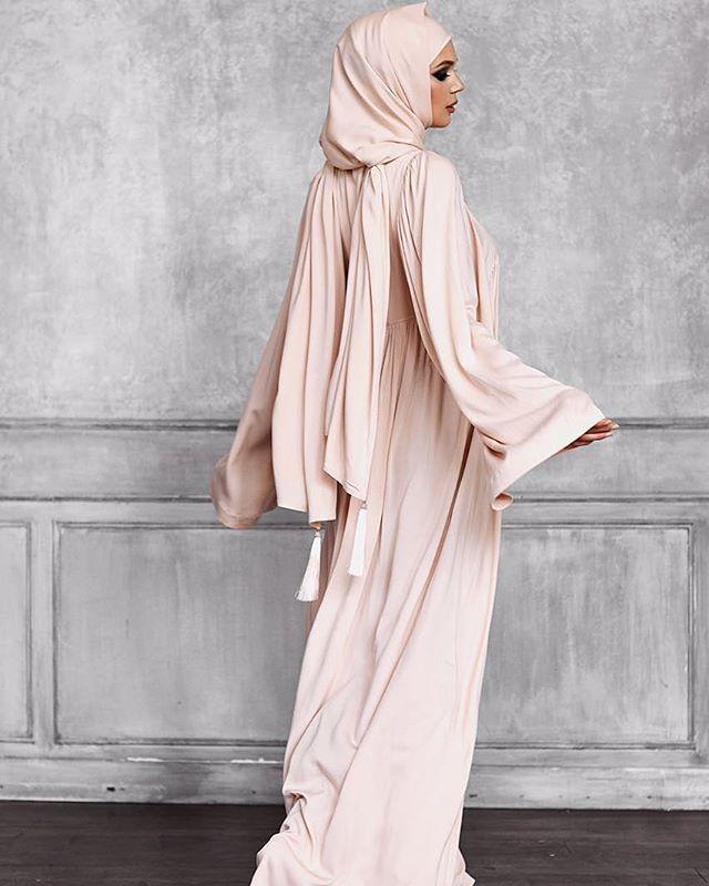 @jannat_namazdress Платья Jannat выполнены из лучших тканей , расшиты французским кружевом и бижутерией, отвечают всем нормам шариата. Их можно использовать как для намаза, так и для выхода в свет ✨ @jannat_namazdress . Вся информация в профиле ✨