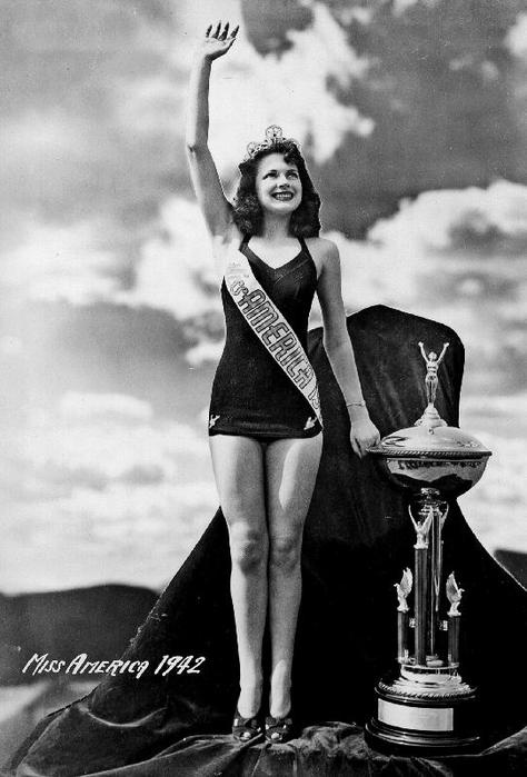 Miss America 1942 - Jo-Carroll Dennison (TX)miss east Texas fair 1942. Hah hah it's true 🆒