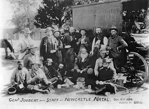General Piet Joubert and Boer soldiers, 1899   NZHistory, New Zealand history online