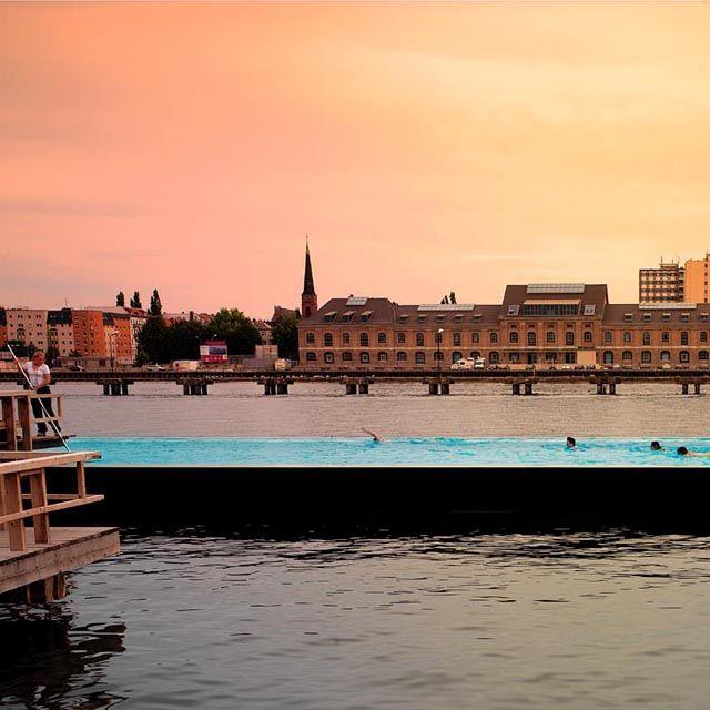 Badeschiff Floating Swimming Pool @ Berlin