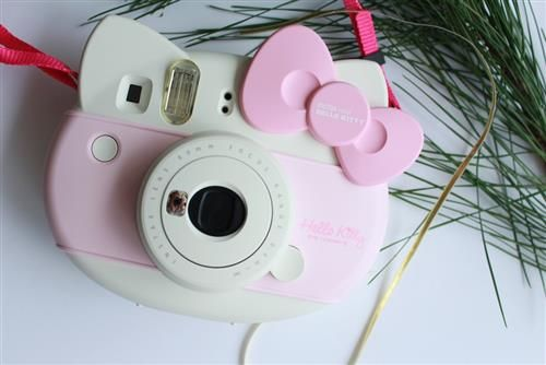 All I want for Xmas is an instax Hello Kitty!