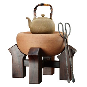 """Lin's Ceramic Studio's """"Traditional Charcoal Kettle Set II""""  I hear their clay kettles make the water taste great and I can only imagine with some fragrant charcoal! WIll I ever have one? Sigh...  http://www.aurlia.com.tw/index.php?option=com_content=section=blog=13=122=en"""