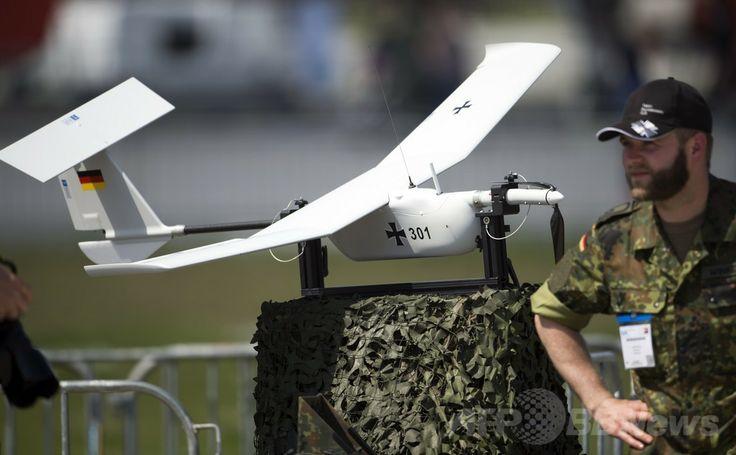 ドイツ・ベルリン(Berlin)で開催のベルリン国際航空宇宙ショー(ILA)で展示された独連邦軍の無人機「EMT Aladin」(2014年5月20日撮影)。(c)AFP/JOHANNES EISELE ▼22May2014AFP 電気飛行機や無人機が登場、ベルリン国際航空宇宙ショー http://www.afpbb.com/articles/-/3015614 #ILA_Berlin_Air_Show #Internationale_Luft_und_Raumfahrtausstellung_Berlin #Exhibicion_Aeroespacial_Internacional #Salon_aeronautique_international_de_Berlin #EMT_Aladin