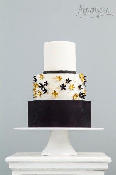 Adala design cake by Marangona | sugarflowers | covered by fondant | www.marangona.hu
