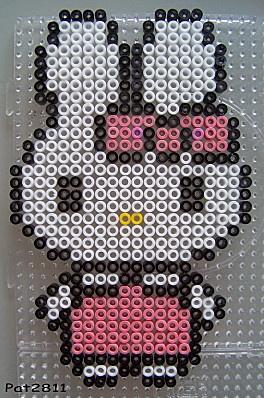 Cathy (Hello Kitty) várja, hogy elkészítsd a mását. Ha elkészítenéd, rendelj hozzá díszdobozos gyöngyöket! http:// on.fb.me/1cc0O7O