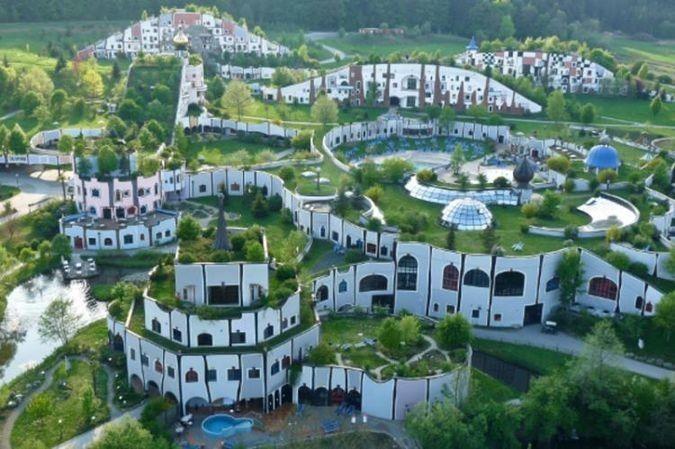 まるで絵本の世界!オーストリアにある温泉「バード・ブルマウ」が可愛過ぎる | RETRIP