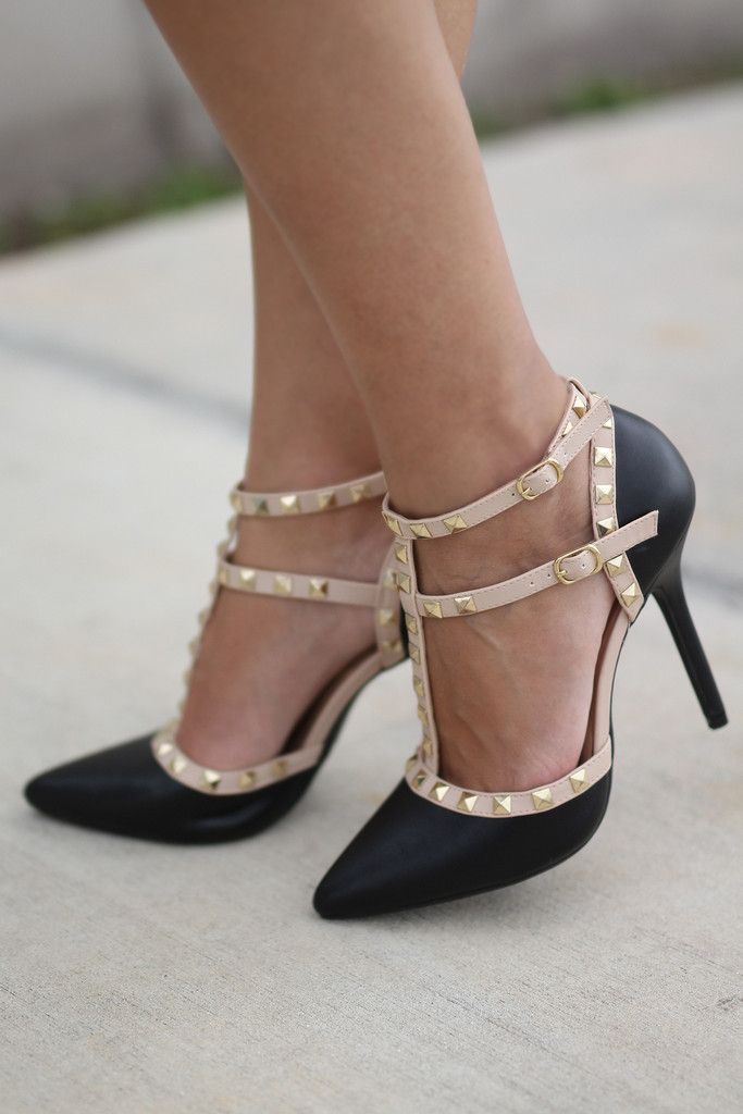 WHOA! Our popular studded heels now come in black. Take a look at these new Black Studded Strappy Heels! They are the perfect shoes to wear with pretty much everything - short dresses, leggings and ev