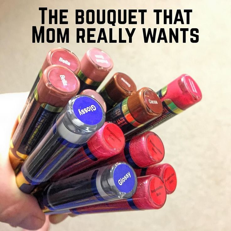 #mothersday #bouquet of #lipstick! #newcolors #bella #pralinerose #cocoa Just in time to show Mom how much you #love her! Head over to http://ift.tt/2peZGTr to claim your #lipsense #colors