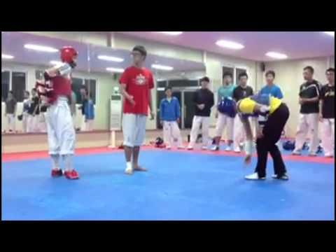 Korean Sparring - Amazingly Fast Player!!