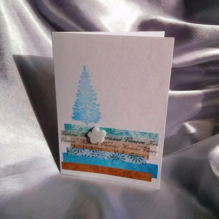 Vánoční jedlička - přání V jednoduchosti je krása ... vánoční přáníčko s tyrkysovou jedličkou, zdobené proužky papírů a kytičkou z plstě. Součástí je bílá obálka zdobená razítky - vločkami ve stejné barvě jako je jedlička... Rozměry: cca 10,5x14,5 cm
