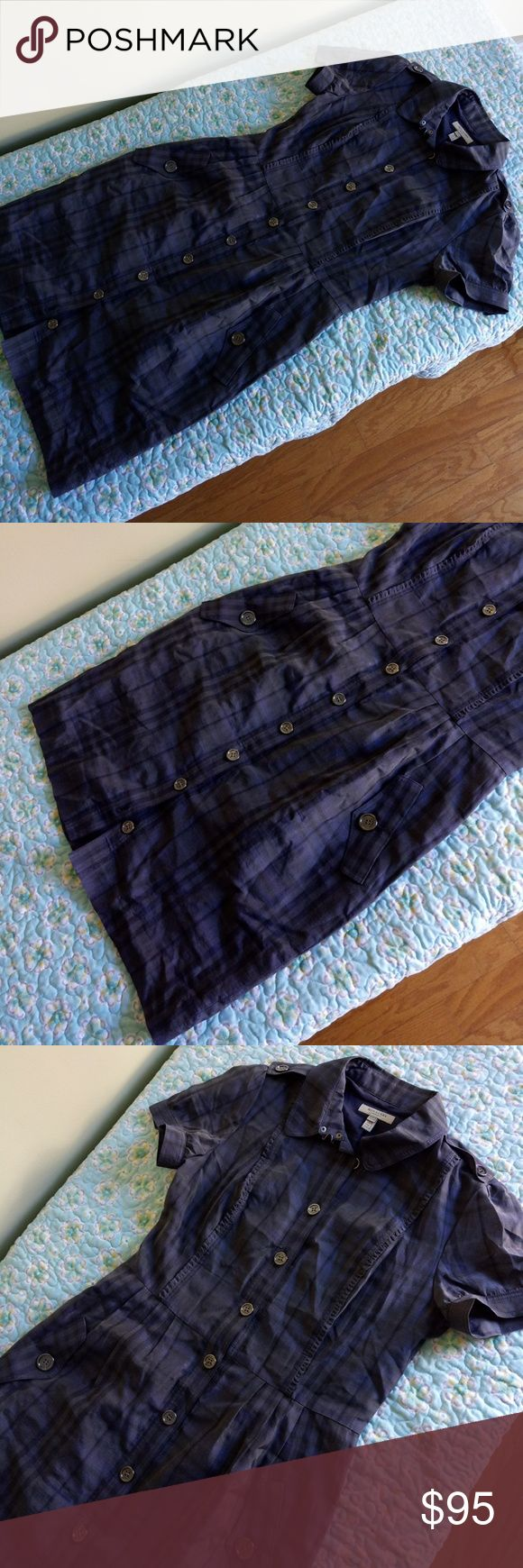 AUTHENTIC Burberry dress Very good condition missing belt... But perfect with any black one Burberry Dresses Midi