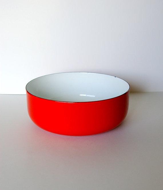 Finel Bowl Designed by Kaj Franck in Bright Red